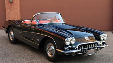 corvette c1 cette automobile cr a le mythe de la voiture de sport am ricaine. Black Bedroom Furniture Sets. Home Design Ideas