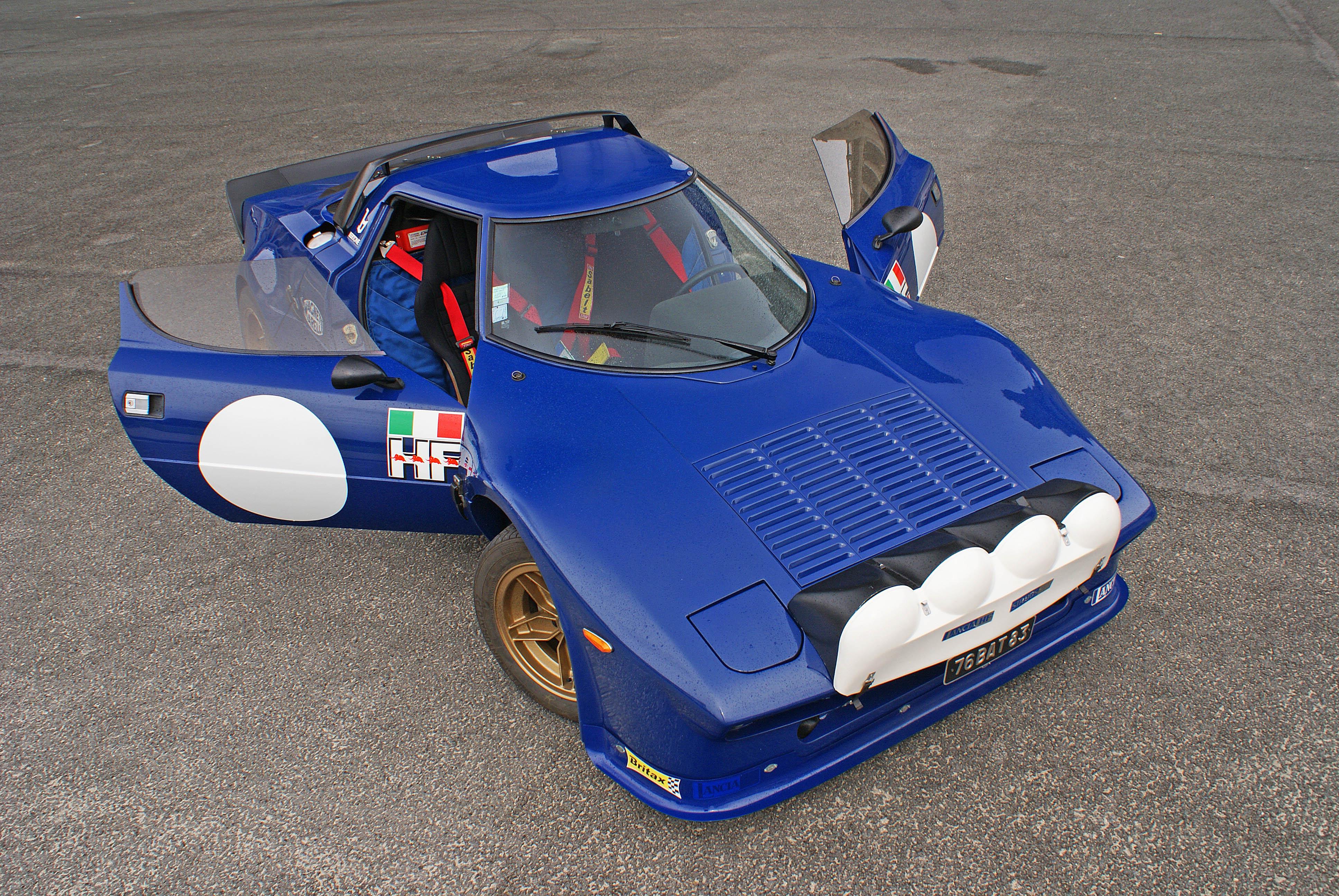 Lancia-Stratos-Gr.4-bleu-