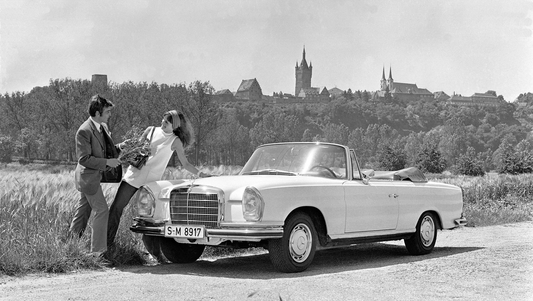 Mercedes-280SE-3.5-Convertible