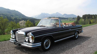 280 se 3 5 v8 cabriolet mercedes benz v12 gt l 39 motion automobile. Black Bedroom Furniture Sets. Home Design Ideas