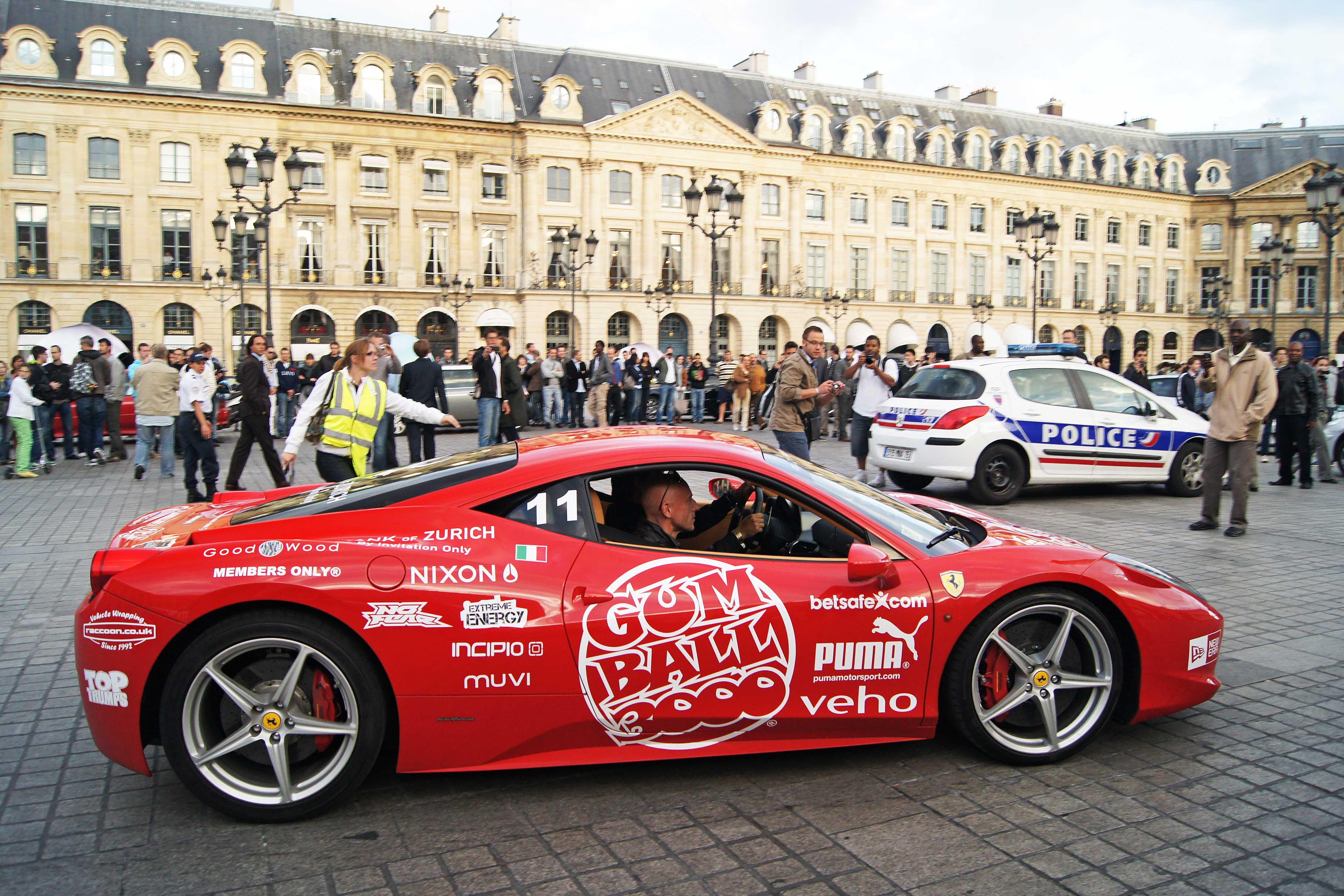 Ferrari-458-Italia-rouge-