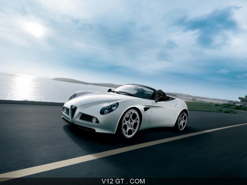 Alfa Romeo 8C Competizione Spider Blanche 3/4 AV