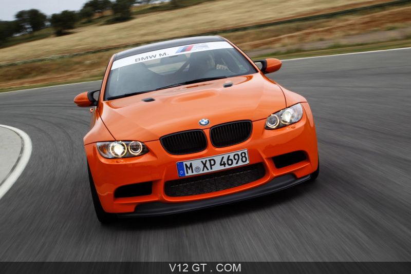 essai bmw m3 gts sport essais gt sport v12 gt l 39 motion automobile. Black Bedroom Furniture Sets. Home Design Ideas