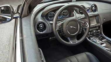 Jaguar XJ Interieur place conducteur