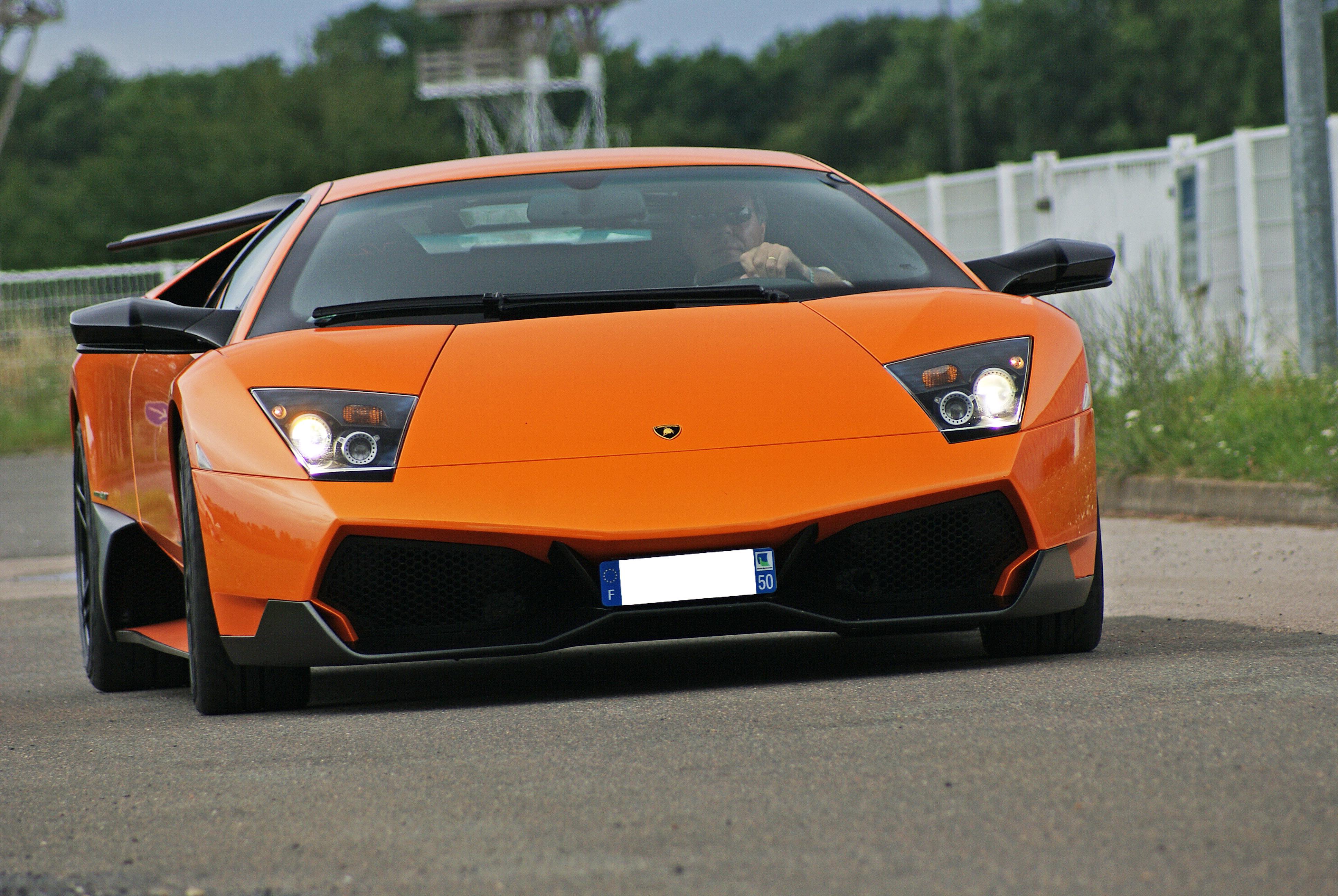 Lamborghini-Murcielago-LP670-4