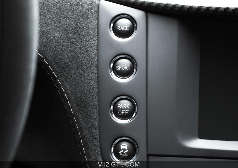 essai d 39 une automobile gt la maserati granturismo mc stradale. Black Bedroom Furniture Sets. Home Design Ideas