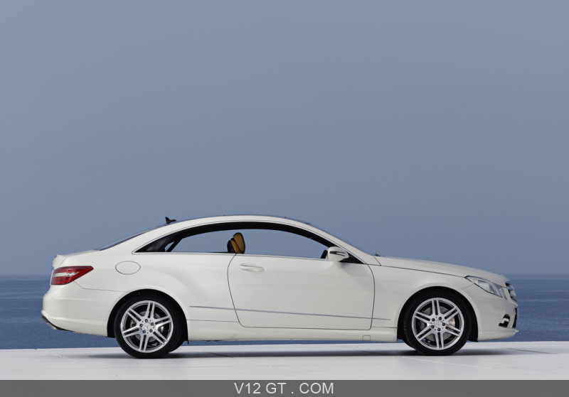 Mercedes E500 Coup Blanc Profil Mercedes Benz Photos