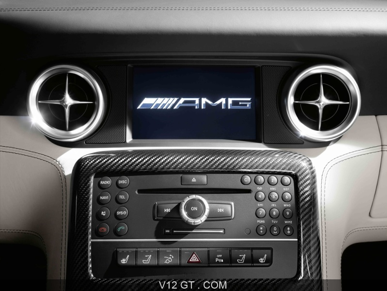 Mercedes sls amg roadster blanc console centrale 3 amg for Console centrale cuisine