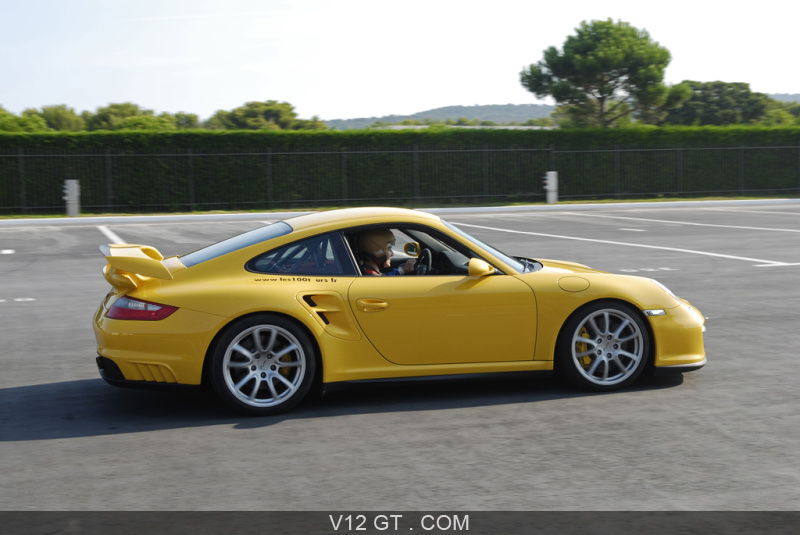 essai porsche 997 gt2 au castellet gt essais gt magazine v12 gt l 39 motion automobile. Black Bedroom Furniture Sets. Home Design Ideas