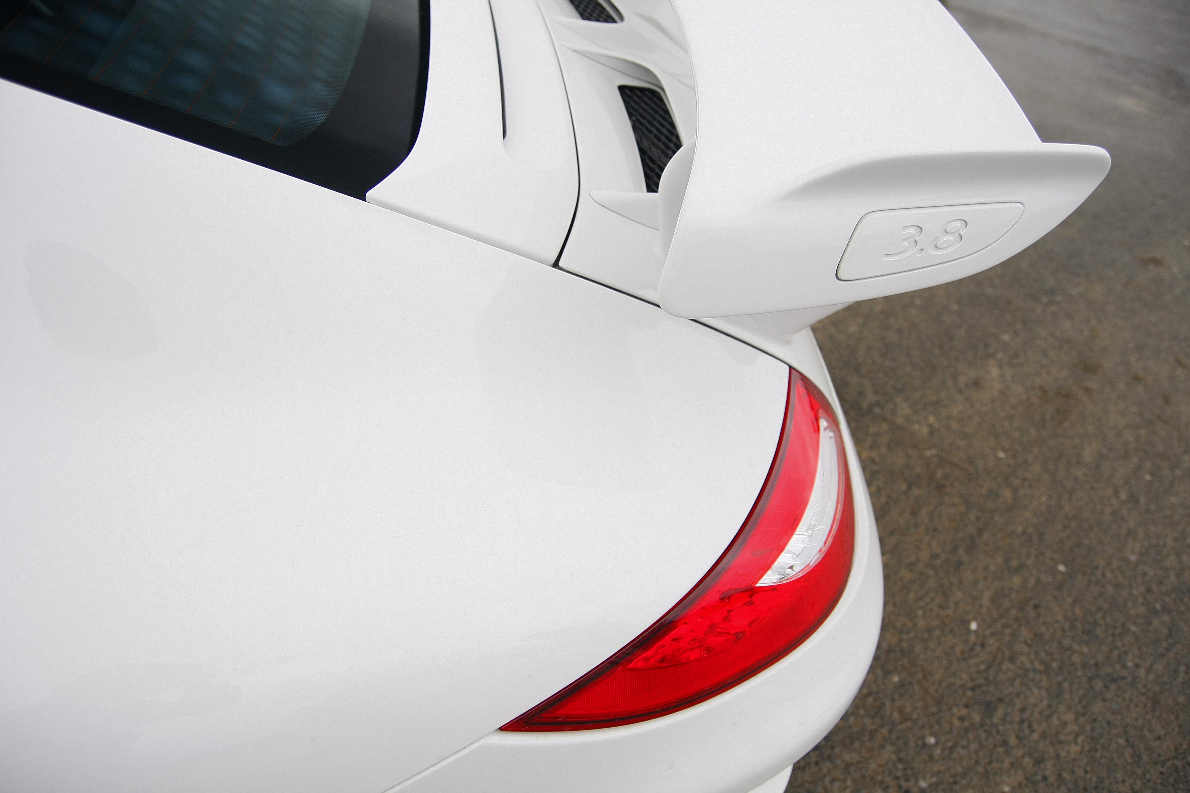 Porsche-997-GT3-MkII-blanc-