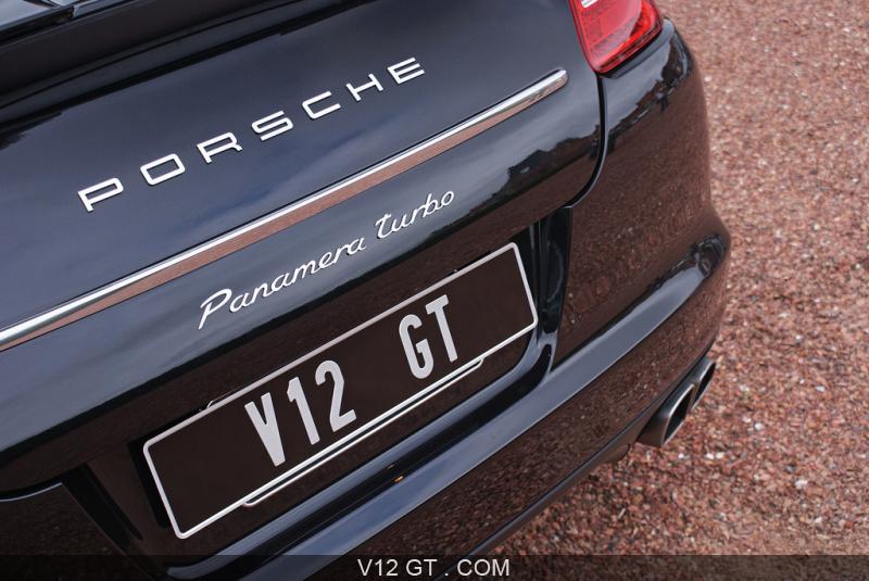 Porsche-Panamera-Turbo-noir-Courtrai-logo-V12GT_zoom