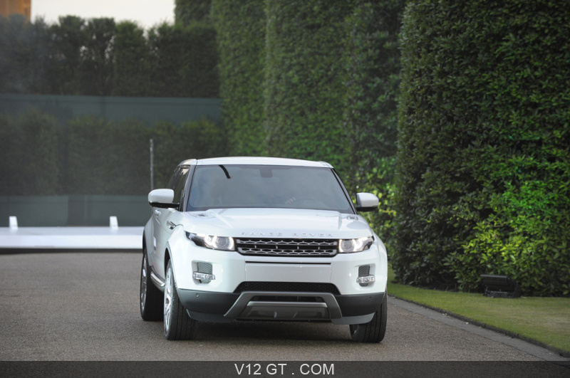 range rover evoque blanc face avant range rover. Black Bedroom Furniture Sets. Home Design Ideas