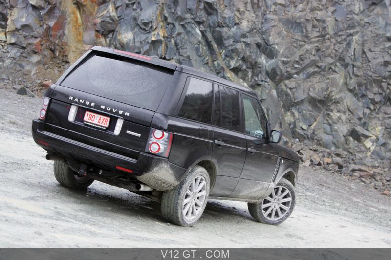 range rover supercharged noir 3 4 arri re droit pench range rover photos gt les plus. Black Bedroom Furniture Sets. Home Design Ideas