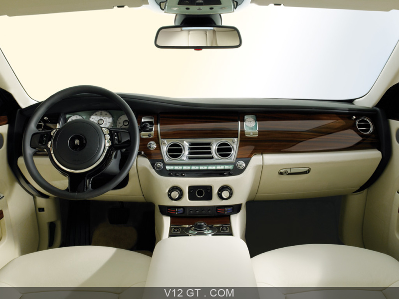 Ghost rolls royce v12 gt l 39 motion automobile for Interieur rolls royce