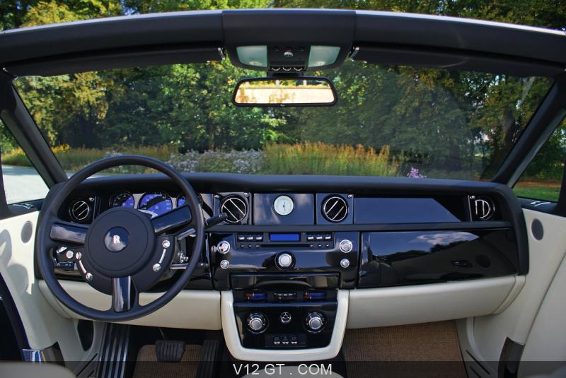 Rolls royce phantom drophead coupe noir int rieur 2 for Interieur rolls royce