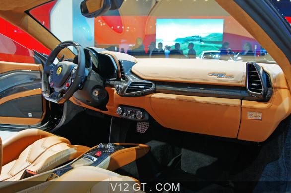 Mondial de l 39 automobile paris 2010 ferrari 458 italia for Interieur ferrari