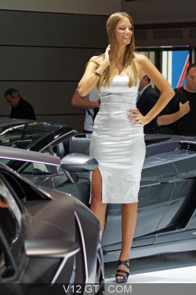 mondial de l 39 auto 2010 gt salons gt news v12 gt l 39 motion automobile. Black Bedroom Furniture Sets. Home Design Ideas