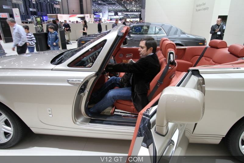 Salon de gen ve 2010 rolls royce phantom drophead coupe for Interieur rolls royce