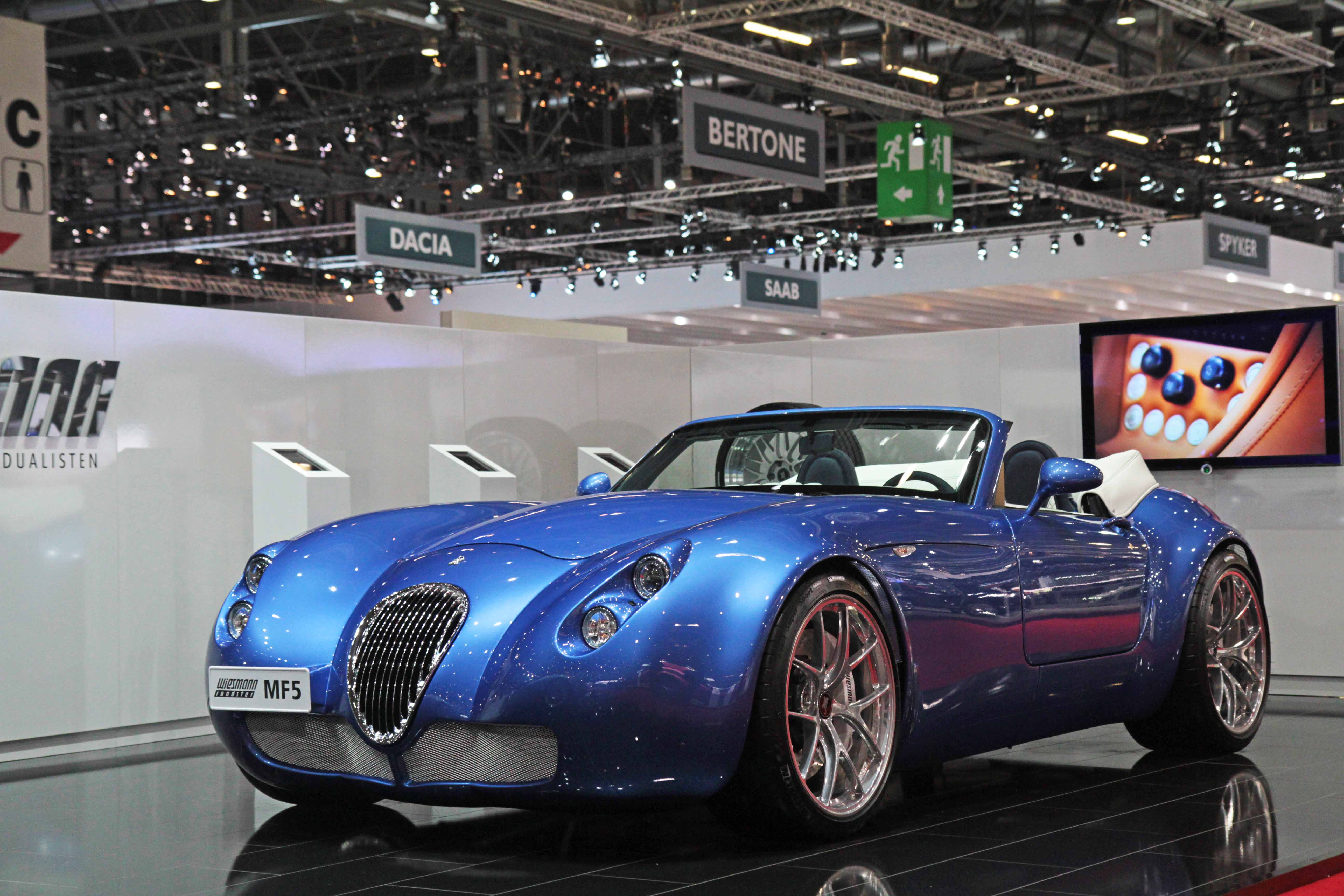 Wiesmann-MF5-Roadster-bleu-3-4