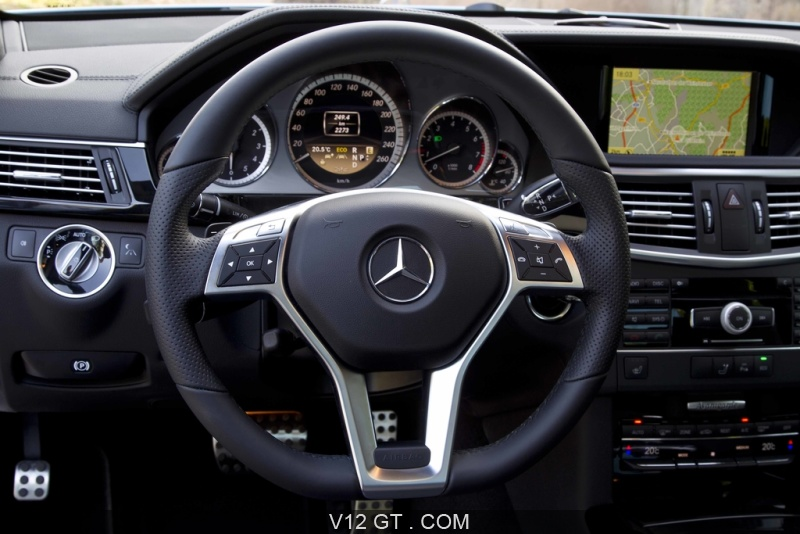 mercedes e500 bleu tableau de bord mercedes benz photos gt les plus belles photos de gt et. Black Bedroom Furniture Sets. Home Design Ideas
