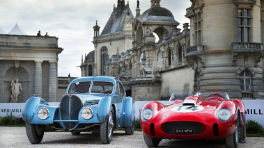 Chantilly Arts & Elégance 2017 - Ferrari 250 Testa Rossa rouge & Bugatti Type 57SC Atlantic