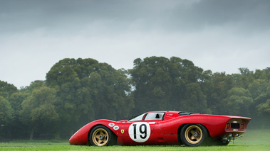 Chantilly Arts & Elégance 2017 - Ferrari 312P rouge profil