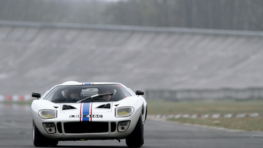 Coupes de Printemps 2012 - Ford GT40 blanc face avant