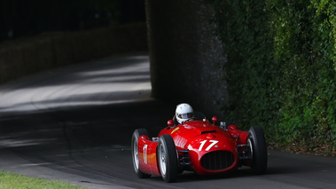 Goodwood Festival of Speed 2017 - ancienne rouge 3/4 avant droit