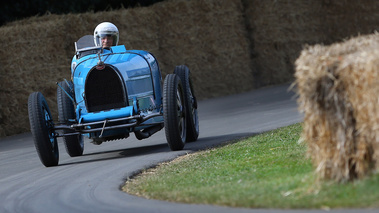 Goodwood Festival of Speed 2017 - Bugatti Type 35 bleu face avant
