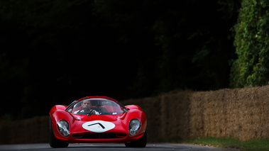 Goodwood Festival of Speed 2017 - Ferrari 330 P4 rouge face avant