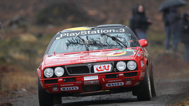 Lancia Beta, rouge, action face