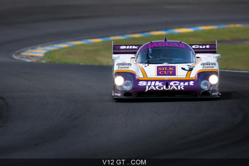 Le Mans Classic 2018 - Jaguar XJR-12 Silk Cut face avant ...