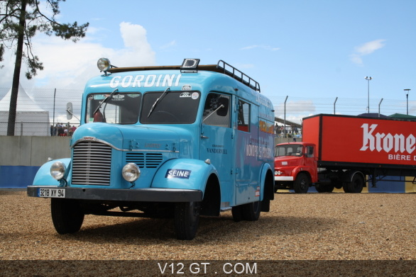 camion gordini bleu 3 4 avg le mans classic 2012 classic driver les plus belles photos. Black Bedroom Furniture Sets. Home Design Ideas