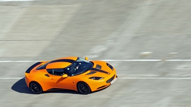 Lotus Evora orange 3/4 avant droit filé