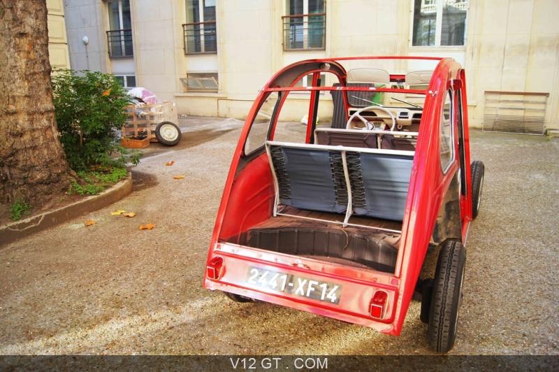 v12 gt installe une citro u00ean 2cv dans les bureaux de google france  rue de londres  u00e0 paris