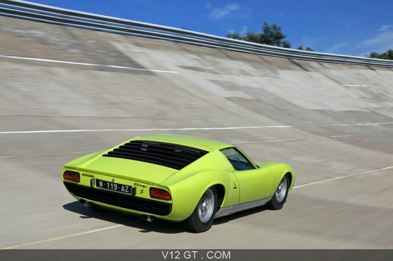 Lamborghini Miura S Vert 3 4 Arriere Droit Travelling Penche 2