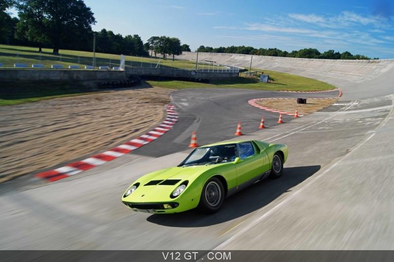 Lamborghini Miura S Vert 3 4 Avant Gauche Travelling Penche