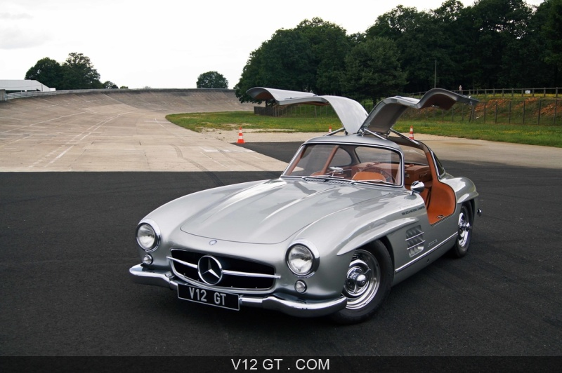 v12 gt au volant de la mercedes 300 sl gullwing sur l 39 autodrome de montlh ry. Black Bedroom Furniture Sets. Home Design Ideas