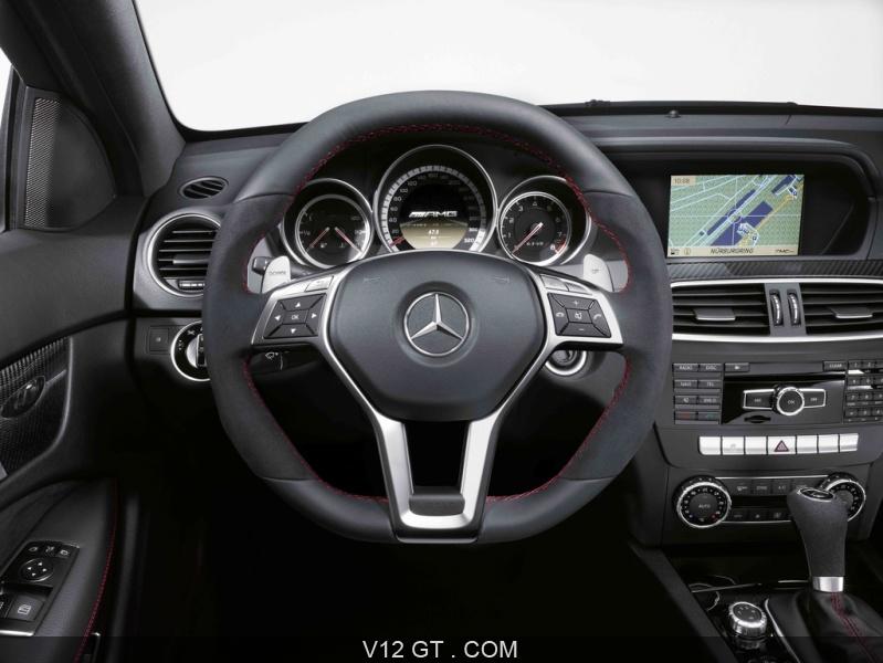 Les 800 Exemplaires De La Sulfureuse Mercedes C63 Amg