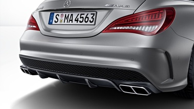 Mercedes CLA 45 AMG Shooting Brake gris diffuseur