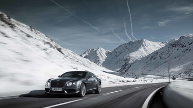 Bentley Continental GT V8 anthracite 3/4 avant gauche travelling