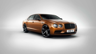 Bentley Flying Spur W12 S orange 3/4 avant droit