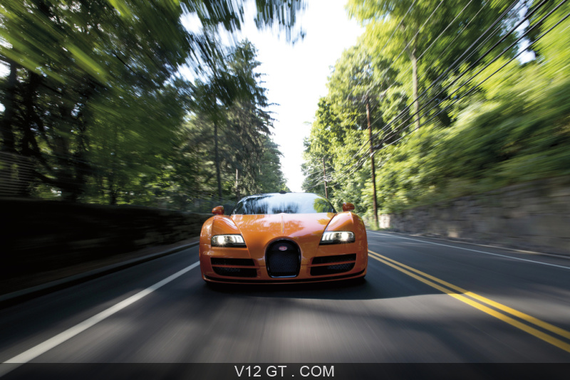 bugatti veyron grand sport vitesse orange noir face avant travelling bugatti photos gt les. Black Bedroom Furniture Sets. Home Design Ideas