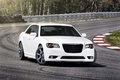 Chrysler 300C SRT-8 blanc 3/4 avant droit 3