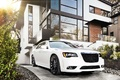 Chrysler 300C SRT-8 blanc 3/4 avant droit