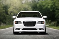 Chrysler 300C SRT-8 blanc face avant