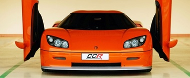 Koenigsegg CCR orange face avant portes ouvertes