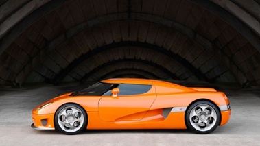 Koenigsegg CCR orange profil