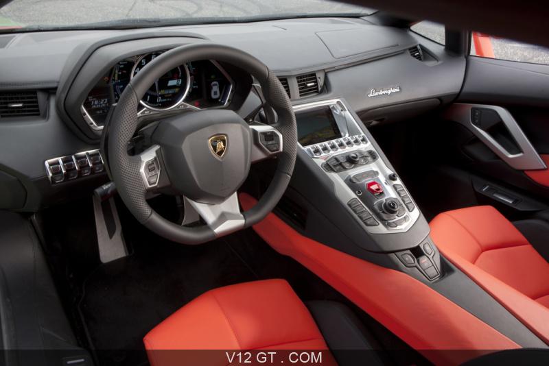 Lamborghini aventador lp700 4 orange int rieur for Interieur lamborghini