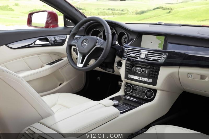 Interieur mercedes  Mercedes CLS Shooting Break rouge intérieur 2 / Mercedes Benz ...